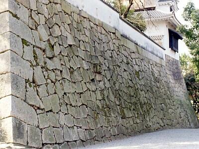 岡山城本丸探訪 石垣 4. 小納戸櫓下の石垣